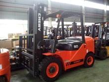 5 Ton Diesel Forklift Truck various attachments optional