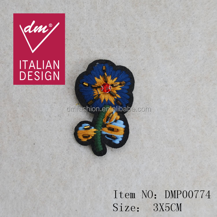 2016 hot selling handmade embroidery flower patches for clothing decoration