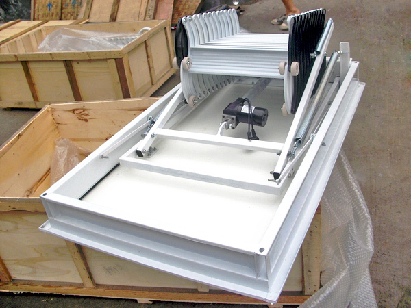 Steel Automatic Electric Telescopic Loft Ladders Hydraulic