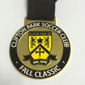 2016 latest custom medal soccer game award/ sport medal soft enamel shiny brass or nickel plated souvenir medal