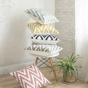 Savvy deco Low MOQ Wholesale Multi Color Geometric Embroidery 100% Cotton Throw Cushion Cover