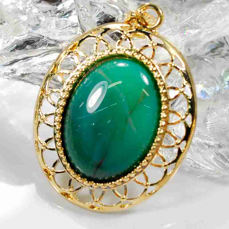 Fashion Jewelry Gemstone Ellipse Cabochon Gold Color Zinc Alloy Pendant Necklace