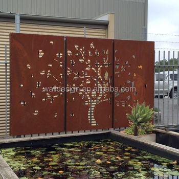 Outdoor Metal Privacy Screen Used For Garden Decoration In Natural Rust  Color