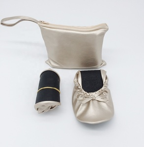 Wholesale Women Sweet Ballerina Silver Portable Ballet Flat shoes with bag