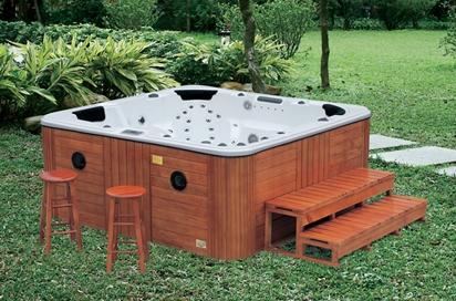 deluxe conception en bois baignoire ext rieure prix spa. Black Bedroom Furniture Sets. Home Design Ideas