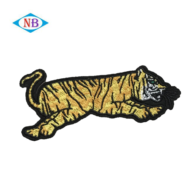 China factory wholesale fashion tiger 3D embroidery textile patch