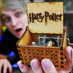 Hot Sale Custom Engraved Hand cranked Movie wooden harry potter mini wood music box for christmas gift