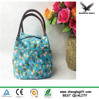New fashional famous Wholesale custom canvas woman travel cosmetic toiletry bag