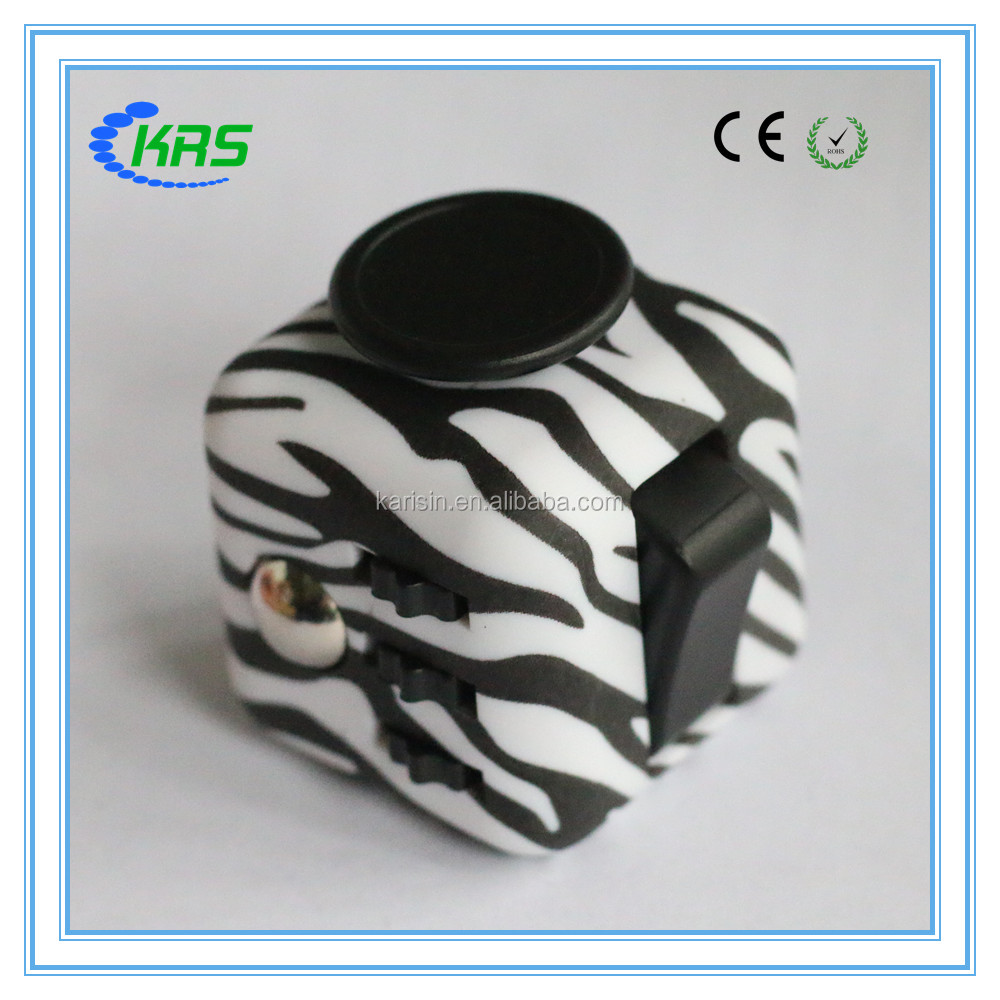 2017 hot sale canada anti stress 6side dice fidget cube with Rubberized coating
