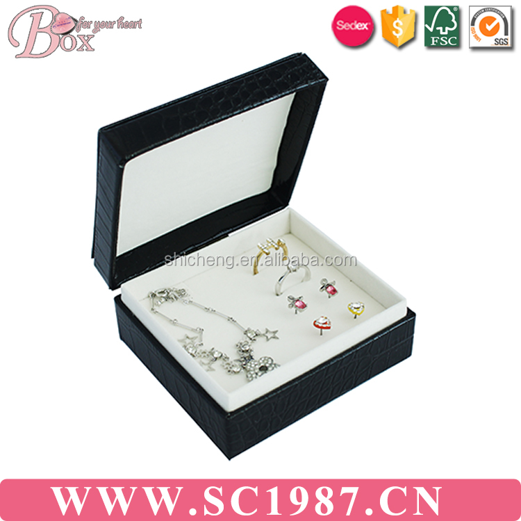 China manufacturers velvet jewelry necklace box
