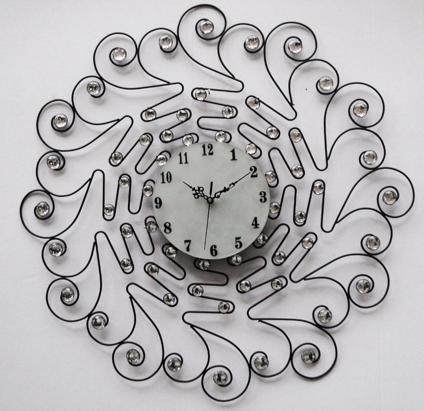 Good design moderne horloge murale mur horloges gros horloge murale forme diffrente with grosse for Grosse horloge design