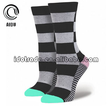 Wide Strip Custom Made Wholesale Custom Socks Unsex/Women Sock/China Custom Sock Manufacturer Ow