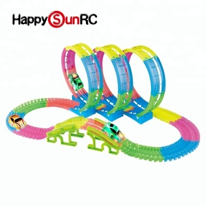 145 pieces DIY race rail slot small plastic car track toy shantou small toy