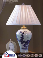 European style chinese porcelain ceramic table lamp with pleated fabric lampshade and base switch