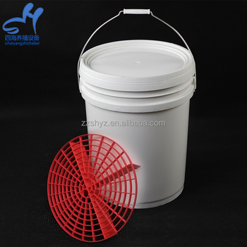 High Quality Plastic Car Wash Bucket With Grit Guard And Handle For Self Service Car Wash Equipment
