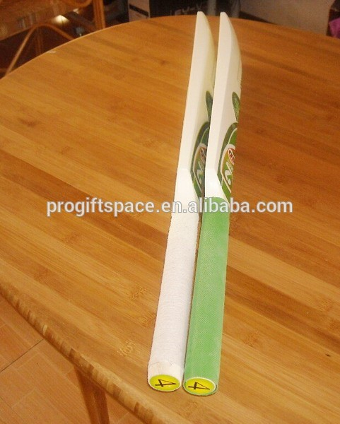 Hot Custom Logo Price Wood Tennis Ball Cricket Bat In White Green Grips For