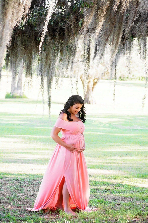 5bf9fb1c4 Las mujeres maternidad adulto vestido rosa claro para la sesión de fotos de  las mujeres embarazo