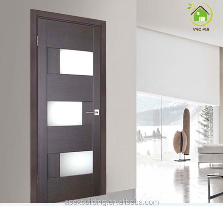 Elegante puerta de madera con vidrio esmerilado puertas for Puertas madera y cristal interior