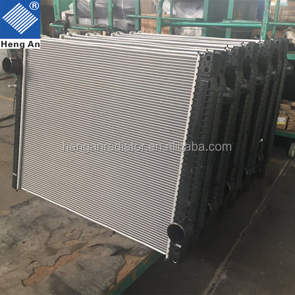 Truck Plastic Tank for DAF Radiator