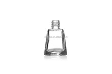11 ml de cristal triangular inferior nail polish bottle