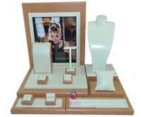 Wholesale custom wooden noble jewelry stands jewellery display set
