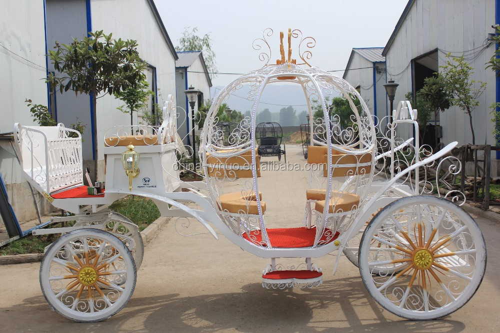 Theme park pumpkin horse carriage with LED lights