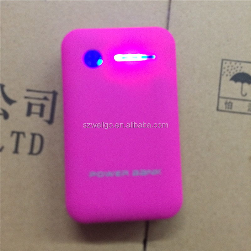Custom logo Mobile power bank 8600mah powerbank Charger with Dual USB for iPhone