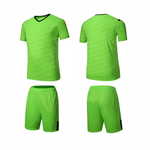 China Supplier 100% Polyester Cheap Custom Soccer Uniforms For Teams