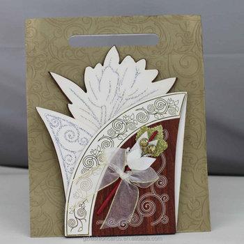Luxe Gouden Bloem Houten Bruiloft Kaarten Indiase Bruiloft Kaarten Uitnodiging Buy Indiase Bruiloft Kaarten Uitnodiging Bruiloft Kaarten