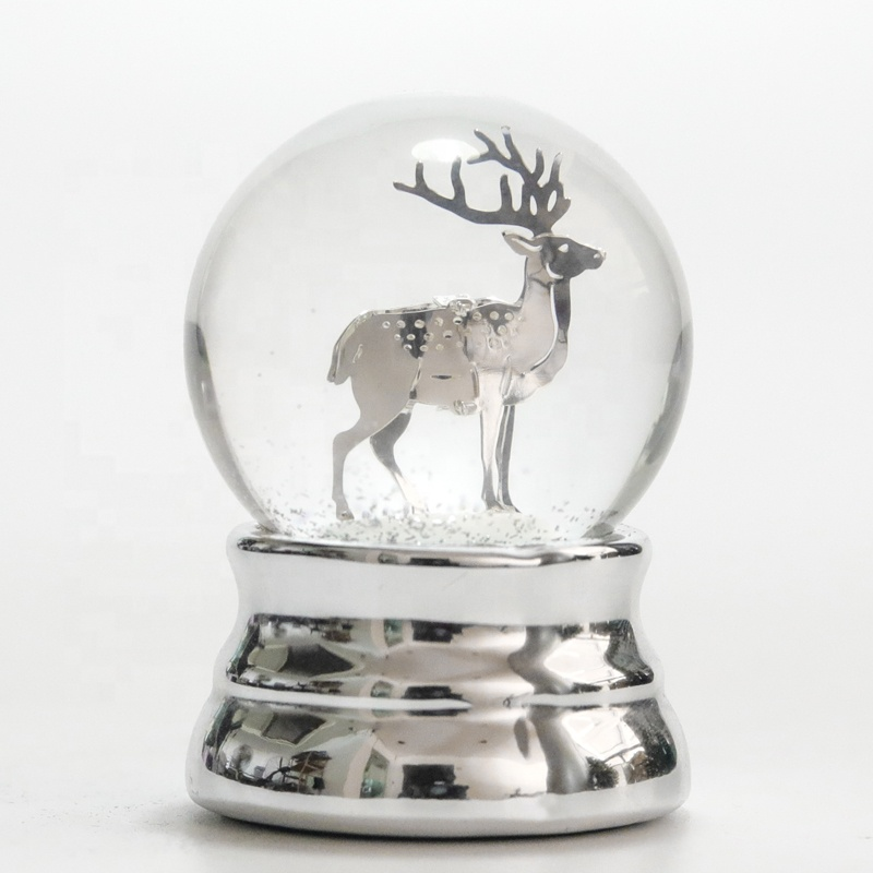 ยุโรปสไตล์ snow globe custom made in China