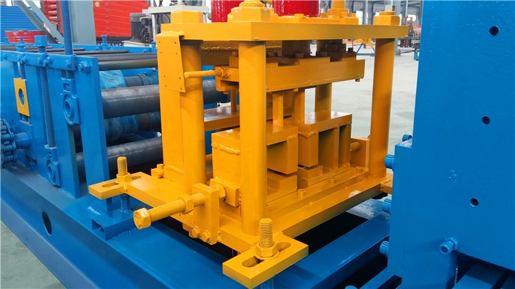 Fast Changable Style C Purling Roll Forming Machine