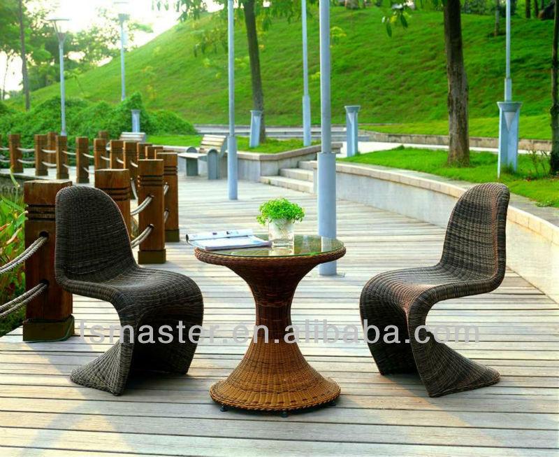 Ratán silla panton panton s por verner panton muebles al aire libre ...