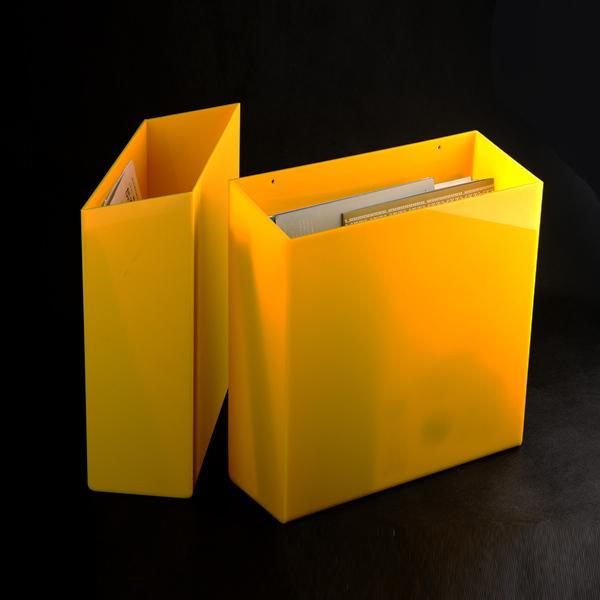 New Arrival Wall Mount Plexiglass A4 Acrylic Box