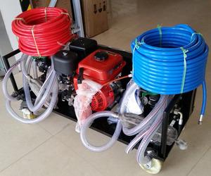 Liquid rubber spray machine for small area and corner