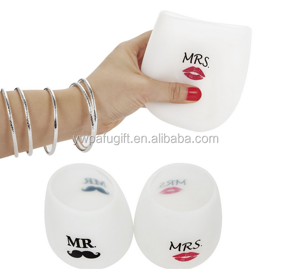 Mr and Mrs stemless silicone wine glass set