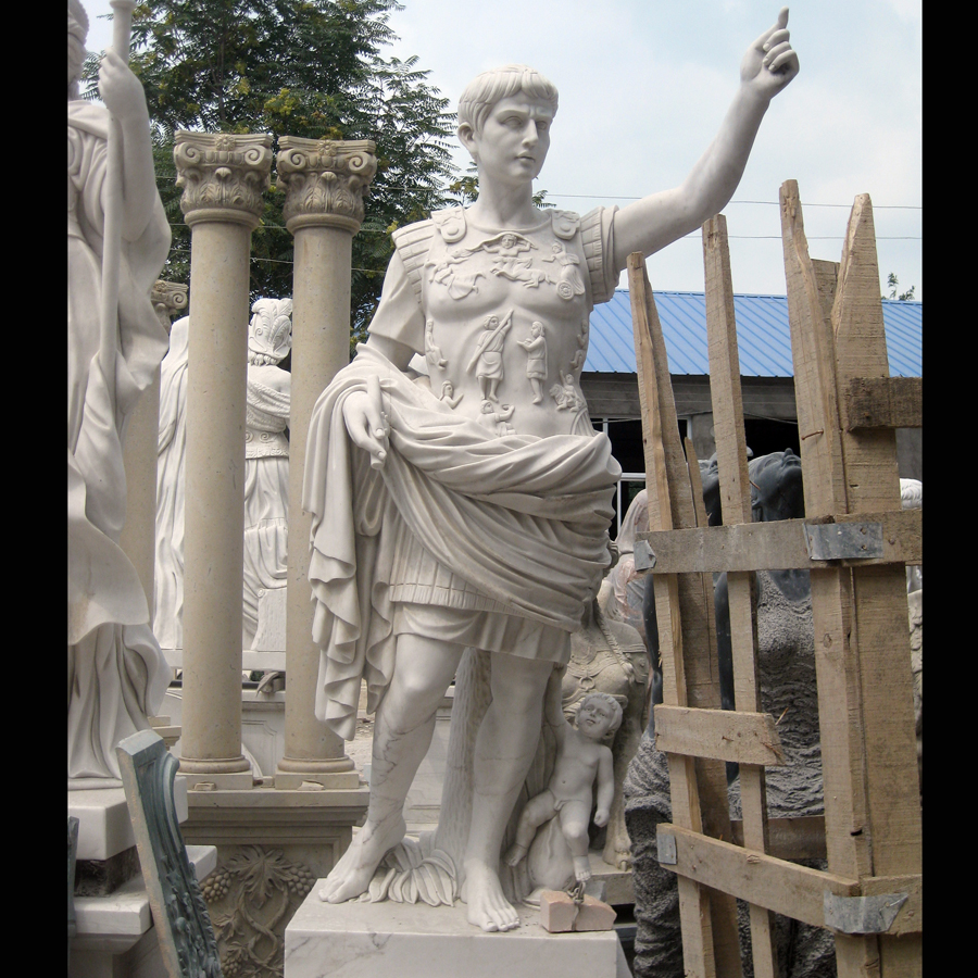 biography of julius caesar Julius caesar biography he was born in 100 bc into a patrician family his father, gaius julius caesar, governed the region of asia and his aunt, julia married one of the most important figures in the republic his mother, aurelia, too came from a.