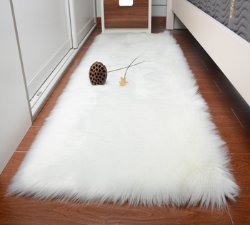 Super Soft Raw Sheepskin Fur Accents Rectangle White Carpet - Buy Bedroom  Red Carpet,Carpets And Rugs,Rectangle White Carpet Product on Alibaba.com