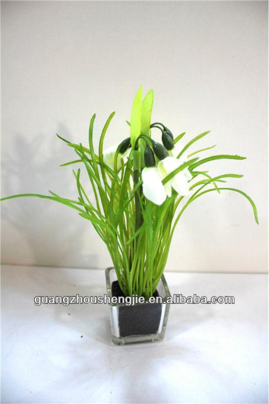 جملة جميلة صغيرة مصطنعة النبات مع الجريس الأواني الزجاجية