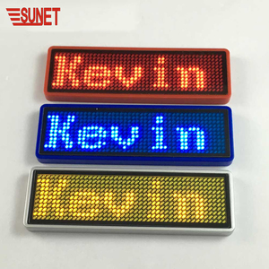 2018 new style portable label pin programmable flashing messages mini led display