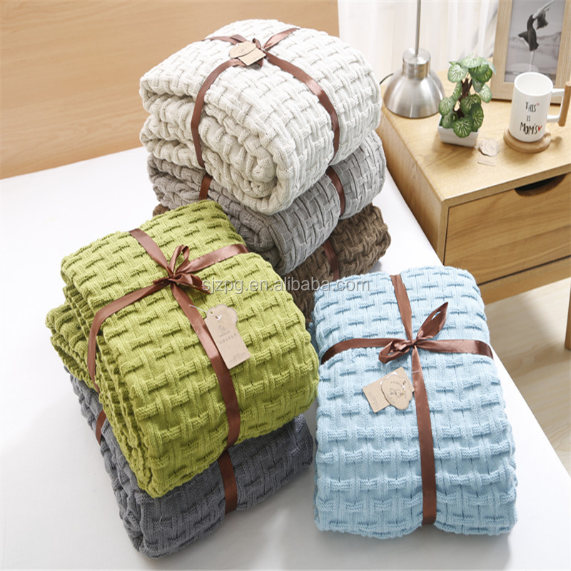 Various sizes cable cotton knitted throw blankets