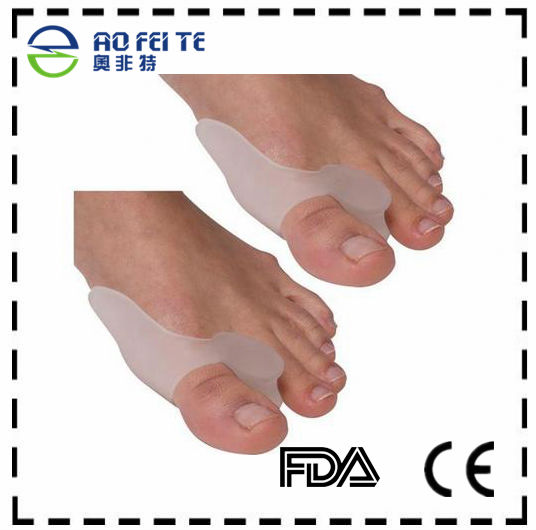 2018 New design Pain Relief Silicone Gel Toe Separators Straighteners