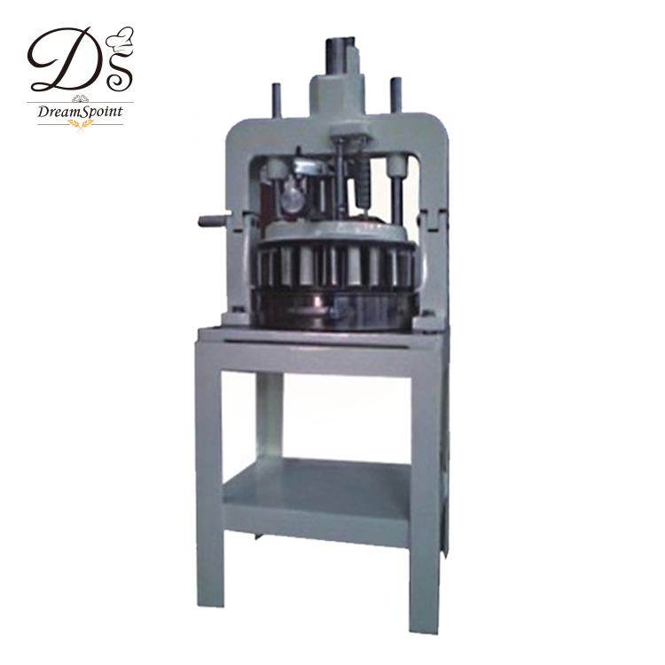 Non-stick bakery equipment diving and rounding dough bread making Manual block machine
