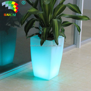LED Flower Pot Flashing Design Decorative Outdoor Garden Illuminated LED Lighted Planter Pots