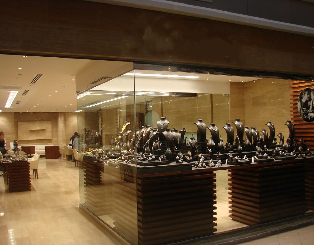 Boutique jewellery 01.jpg