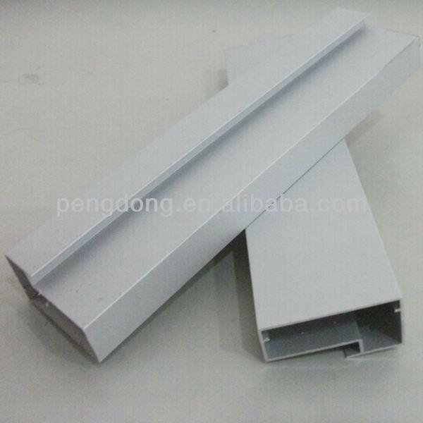 Perfil marco para puerta de metal