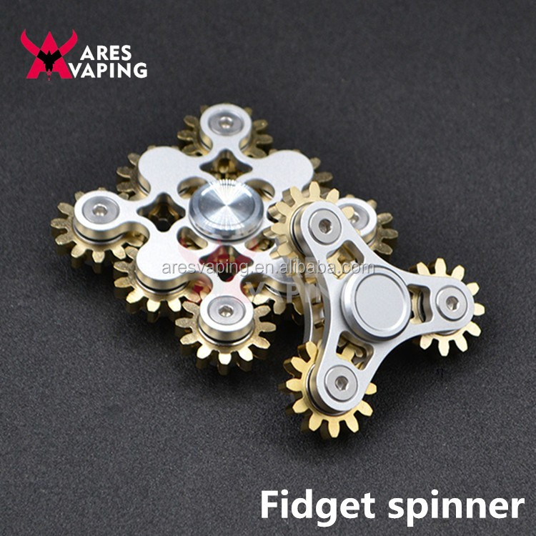 2017 Novelty gear hand spinner fidget toy 1-5 min spins with ceramic stainless steel bearing spinner Relieve Stress