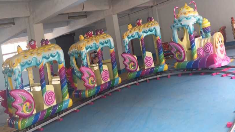 New trackless amusement park electric trains for kids