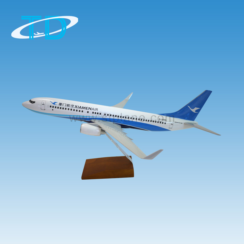 Resin Souvenir 1/100 Scale Aircraft Model B737-800