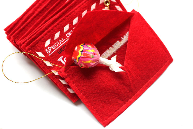 2016 New Year Christmas Tree Ornament Decoration 5pcs Red Small Fabric Candy Bag Free Shipping