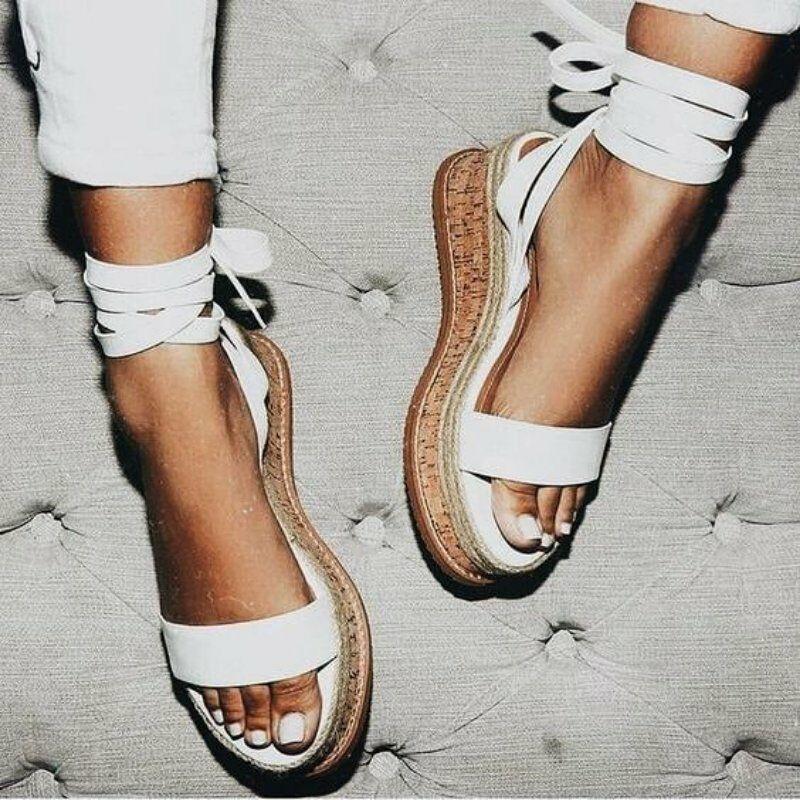 1ffc4a35e112 Venta al por mayor señoras de la manera del diseño sandalias planas ...